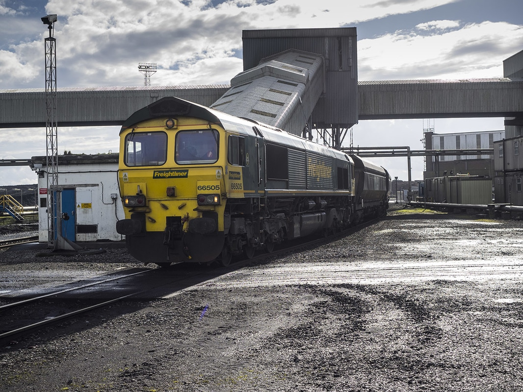 Tower coal train arriving at Aberthaw.