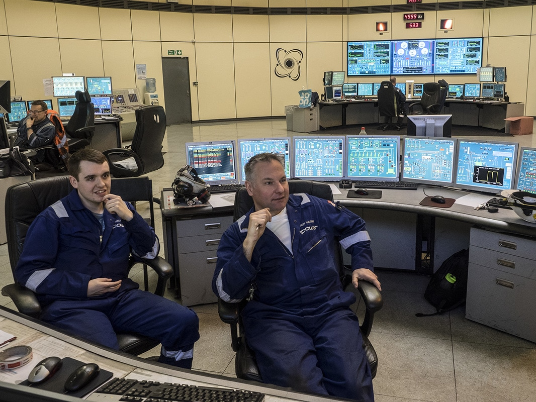 Two chief controllers have overall control of half the electrical power for Wales.Two chief controllers have overall control of half the electrical power for Wales.